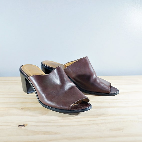 Vintage 80's brown leather block heel mules // Si… - image 1