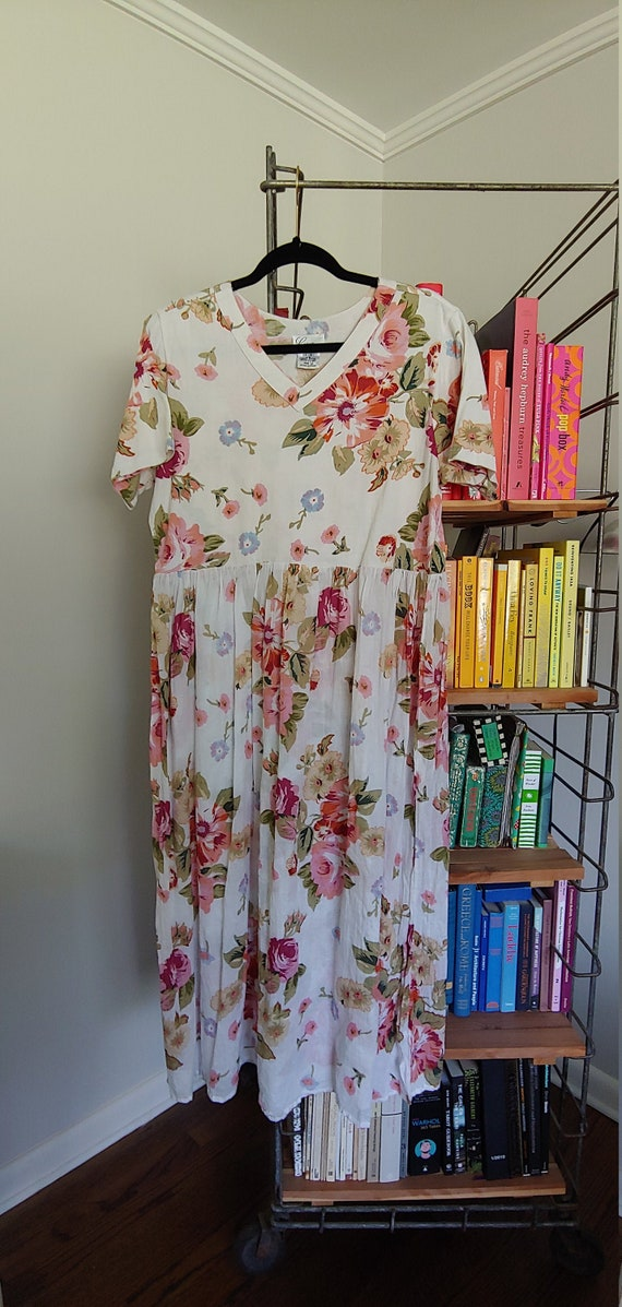 Vintage white / pink floral maxi dress