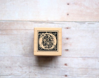 Letter O Rubber Stamp, Letter O Monogram, O Initial Wood Mounted Rubber Stamp Alphabet Detail Scrapbooking Accent/Card Making, Invitations