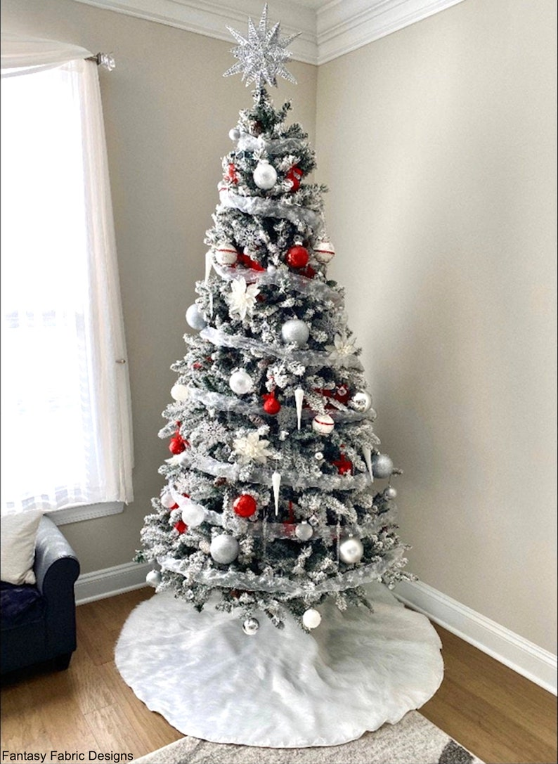 Faux fur Christmas tree skirt white faux fur tree skirt ...