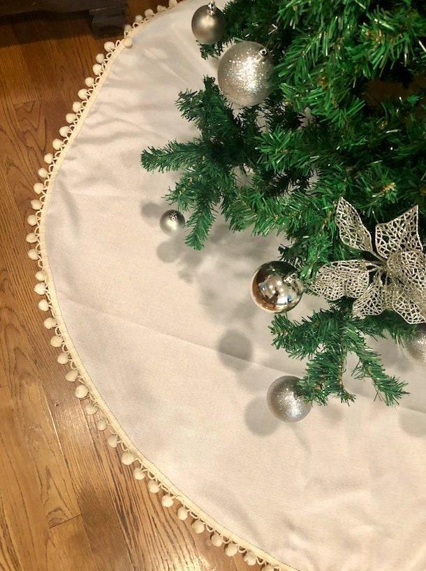 pom pom tree skirt christmas tree skirt tree skirt burlap christmas tree skirt burlap tree skirt christmas decor tree skirt burlap - Burlap Christmas Tree Skirt