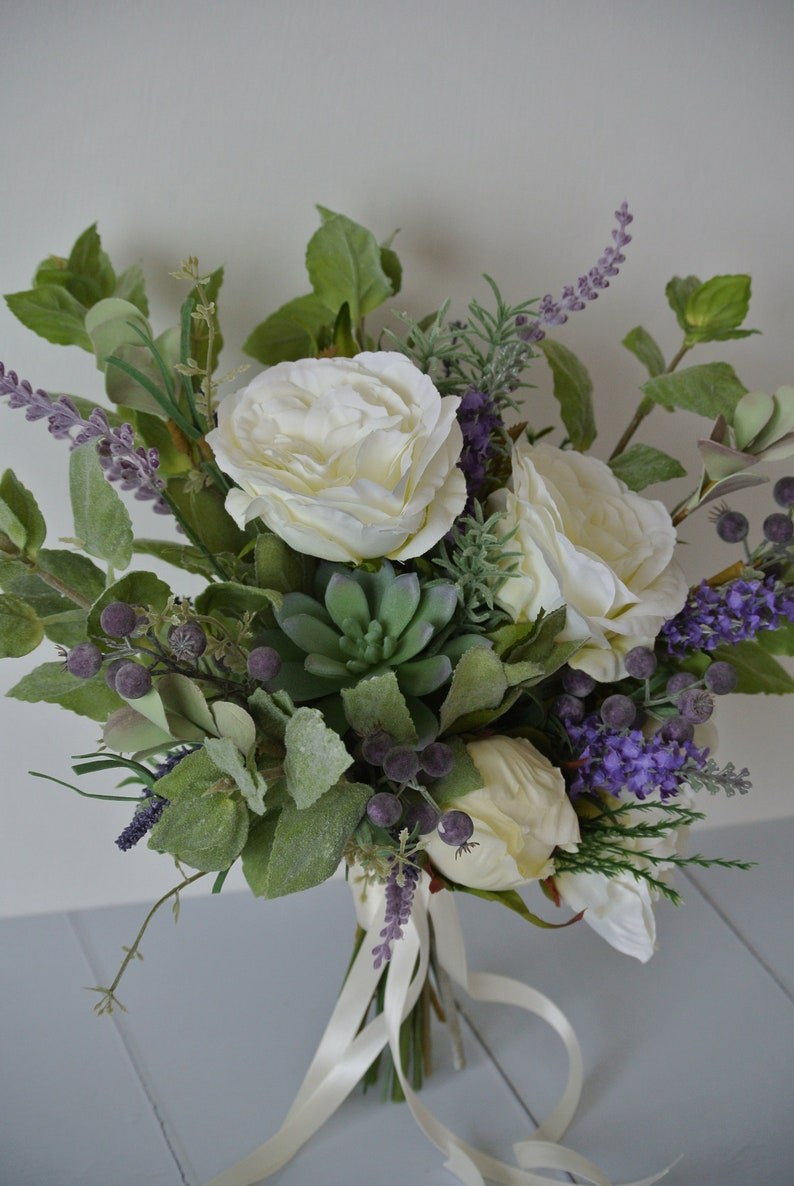 ivory and green purple Brides bouquet lilac