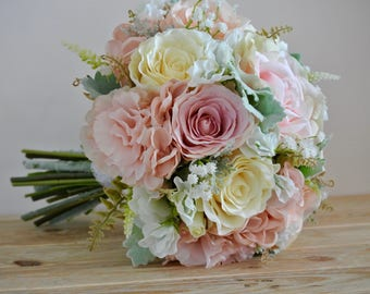 Blush, pale pink brides bouquet