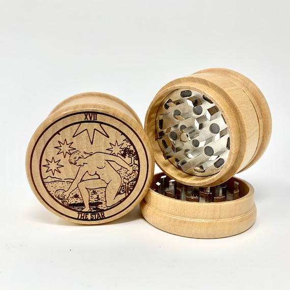 Herb Grinder - 17 Tarot Deck Card - The Star - 3pc Herb Grinders Herb Cutter Cutting and Grinding Metal Blades 2.5 Inch Travel Size