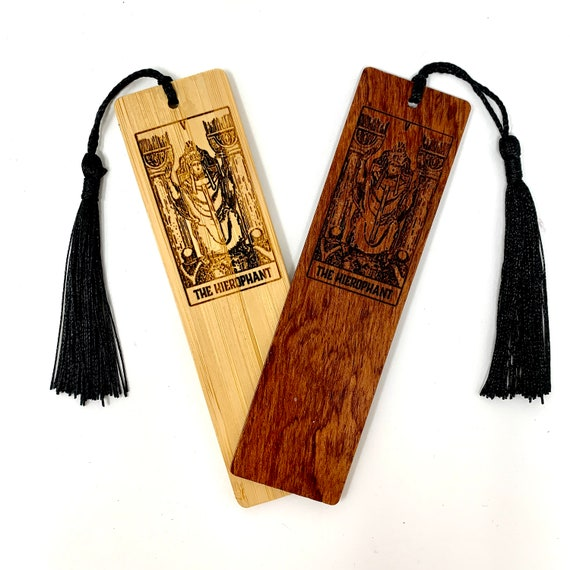 Wood Bookmark - Tarot 05 - The Hierophant - Bookmarks Bamboo or Rosewood, Engraved Real Wood Gift for Students or Friend