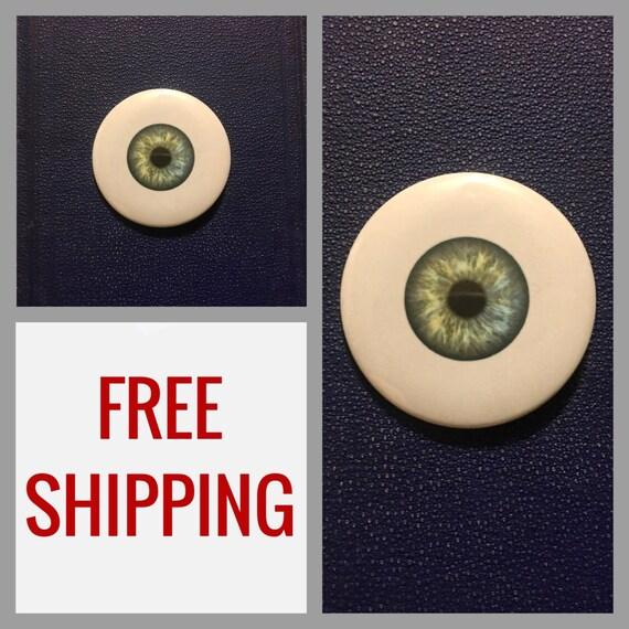 Eyeball Button Pin, FREE SHIPPING