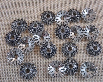 20 Cups watereddle flower metal silver color 12mm - set of 20 caps for beads making jewelry