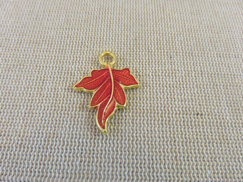 5 red enamelled maple leaf charms 27mm  set of 5 pendants for image 0