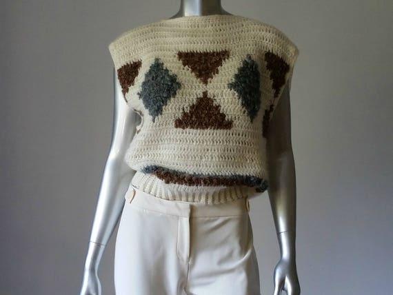 1980s Vintage Chunky Crochet Sweater Vest Intarsi… - image 1