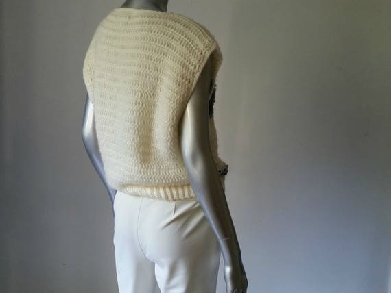 1980s Vintage Chunky Crochet Sweater Vest Intarsi… - image 9