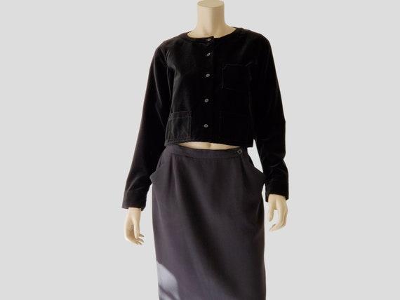 1990s Vintage Black Velvet Cropped Boxy Collarless