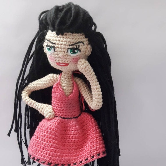 Crochet Princess Doll Pattern - thefriendlyredfox.com | 569x570