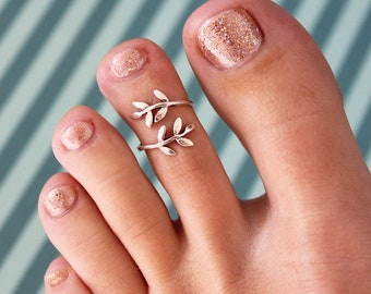 Leaf Wrap Toe Ring / .925 Sterling Silver / Adjustable Toe Ring / One Size Fits All