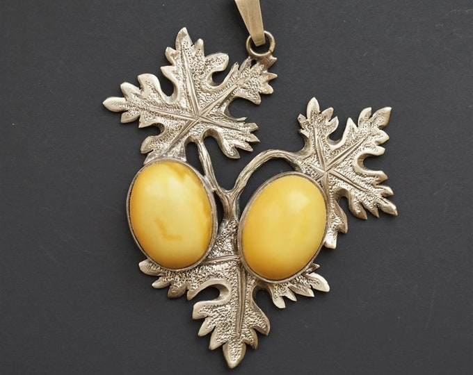 19g Hand Carved Sterling Silver Baltic Amber Pendant, Sculptured, it is not a cast.