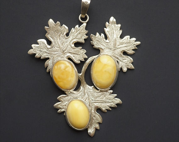 21.5g Hand Carved Sterling Silver Baltic Amber Pendant, Sculptured, it is not a cast.