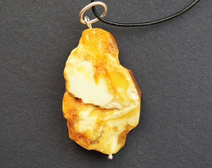 5.6g Handmade White Amber Pendant