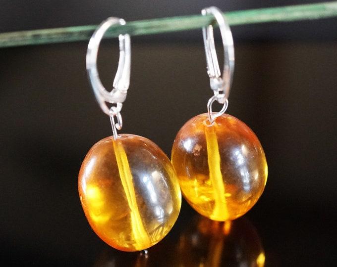 8,3g. Genuine Yellow Cognac Baltic Amber Earrings, Olive Shape Baltic Amber Earrings