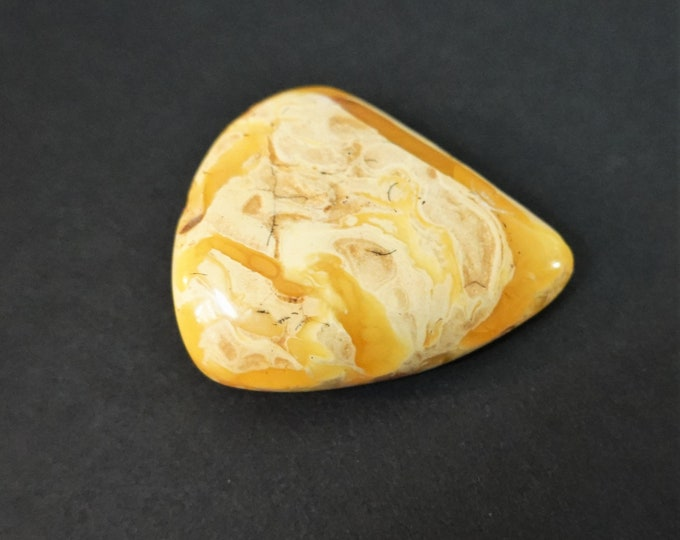 12,3g, Genuine White/ Yellow Baltic Amber Stone