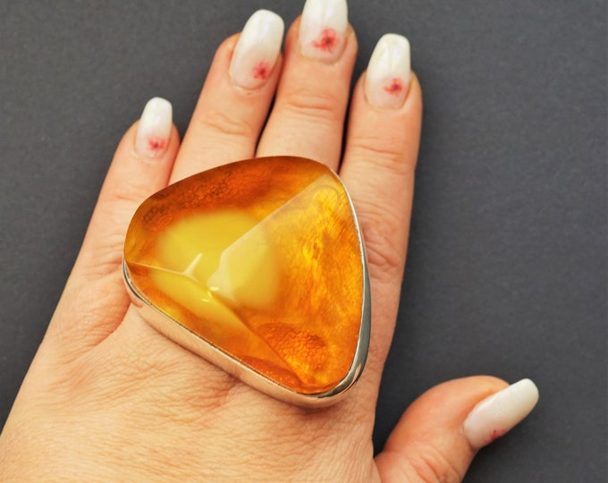 67,6g Unique Huge Baltic Amber,Elegant Ring,Large Baltic Amber Ring