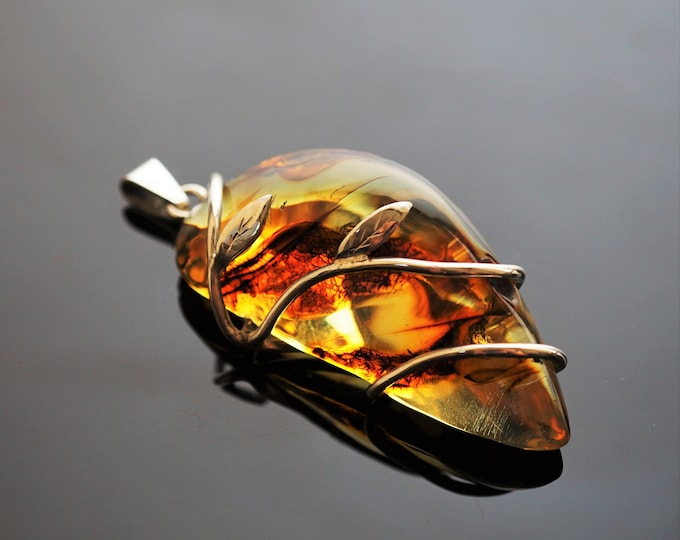 23g Genuine Baltic Amber Pendant, Natural Amber Pendant, Handmade Pendant, Yellow