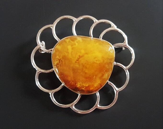 20g.Baltic Amber Brooch, Butterscotch Honey Amber