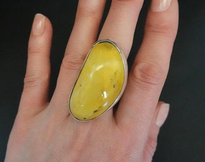 20g  Natural Baltic Amber Ring, Lemon Amber Ring, Large Ring, Yellow Amber, Butterscotch