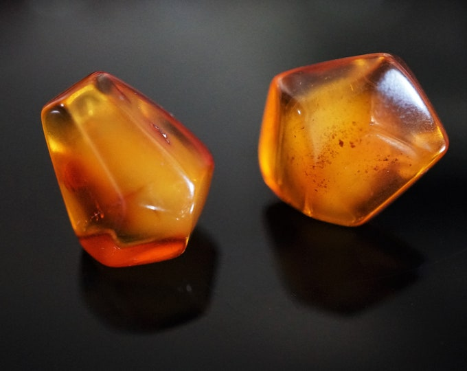 3,5g. Big Natural Butterscotch Baltic Amber Stud Earrings