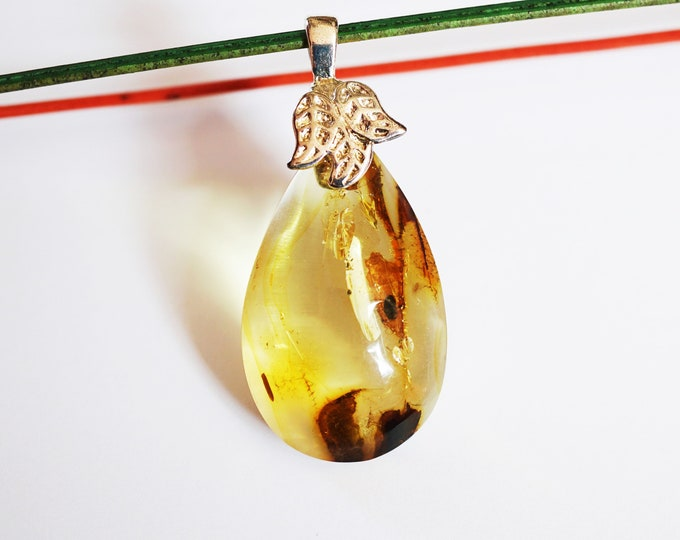 5,7g, Genuine Yellow Baltic Amber Drop Pendant