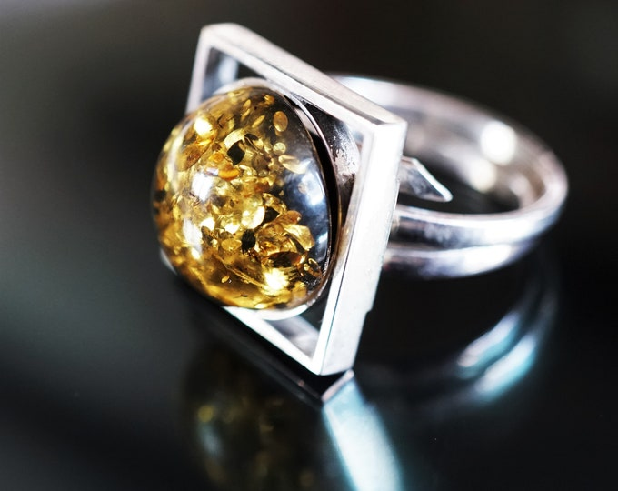 7g. Green Yellow Baltic Amber Ring, Square Ring, Sterling Silver