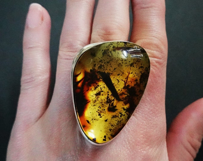 34,4g. Large Baltic Amber Sterling Silver Ring, Inclusion Amber, Yellow Amber
