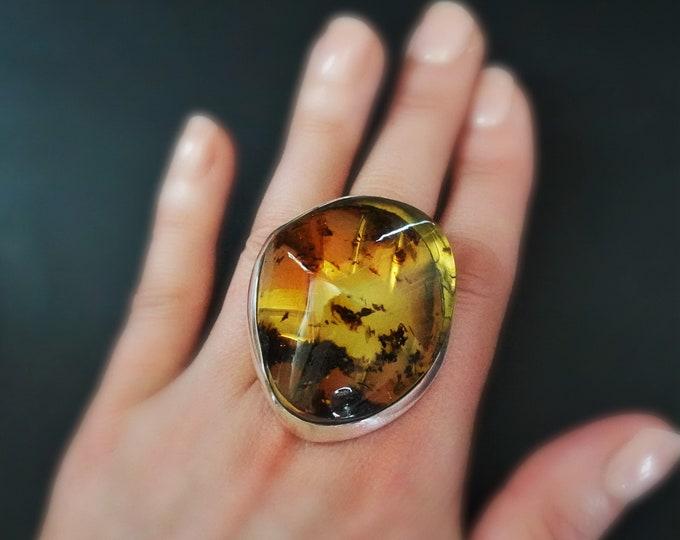 28,8g. Large Baltic Amber Sterling Silver Ring, Inclusion Amber, Yellow Amber