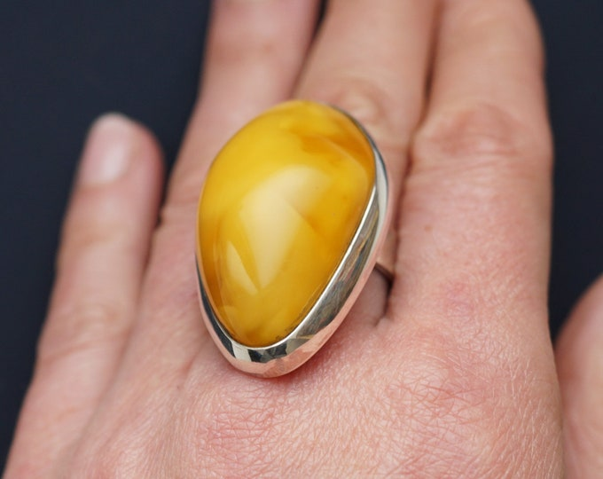 19.8g. Baltic Amber Ring