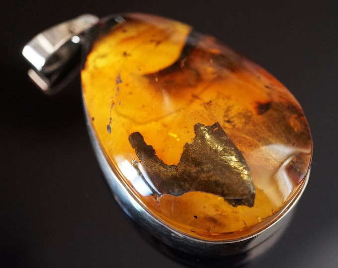31g Large Baltic  Amber Pendant, Yellow Amber