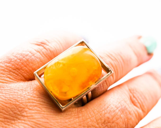 Handmade Baltic Amber Ring, 11g