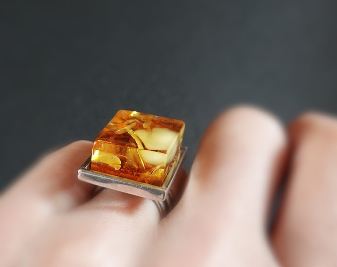 9g, Genuine Baltic Amber Ring,Sterling Silver, Cognac/Yellow Amber