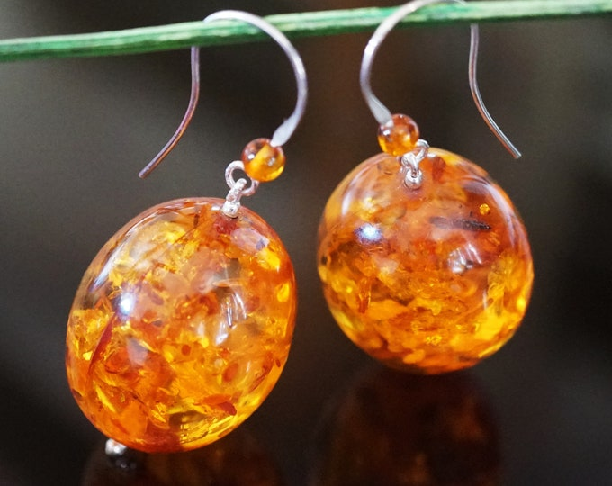16,2g. Genuine Yellow Cognac Baltic Amber Earrings, Olive Shape Baltic Amber Earrings