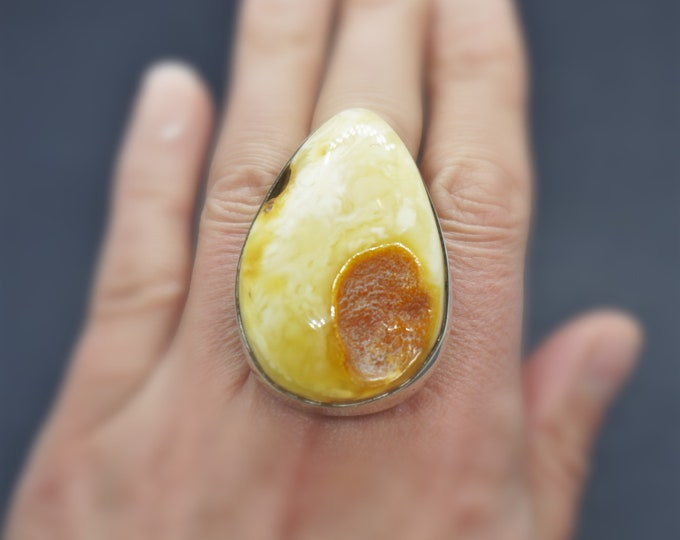 22,5g, White Yellow Genuine Amber Ring, Natural White Amber, Large Amber Ring, Butterscotch Amber