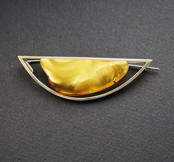 9,4g Baltic  Amber Brooch