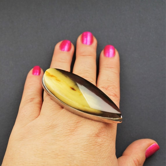 36,8g. Huge Unique Baltic Amber Ring