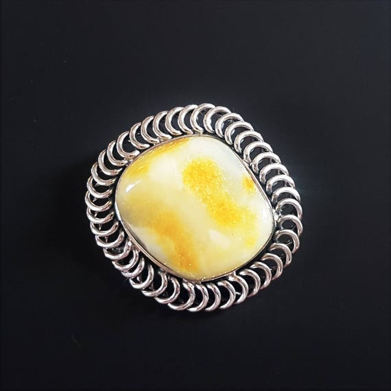 16,7g.Baltic Amber Brooch, White/Yellow Amber Brooch