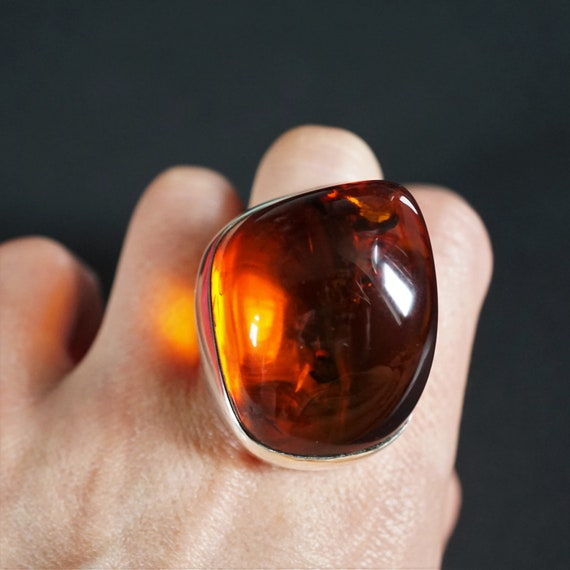 31.4g. Huge Cherry Baltic Amber Ring, Genuine Amber Ring, Oversized Ring, Unique Gift, Collectors Piece, Posh Ring