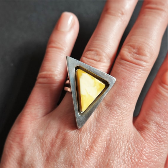 9g.  White Amber Ring, E. Salwierz Design, Sterling Silver Baltic Amber Ring