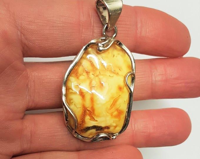 8,5g Natural Baltic Amber Pendant, Butterscotch Amber