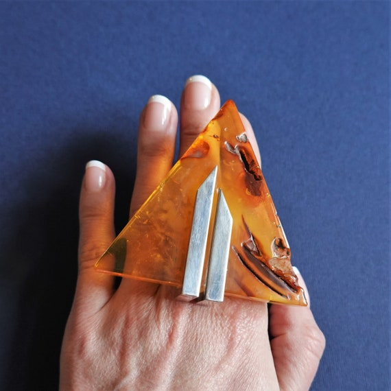61,3g E. Salwierz  Baltic Amber Ring, Huge Ring, Artistic Jewellery, Yellow Amber Ring, Triangle, Triangular Ring