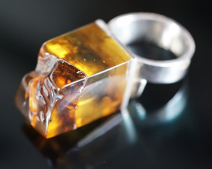 11g, Yellow Inclusion Baltic Amber Ring, E. Salwierz Design Ring, Sterling Silver