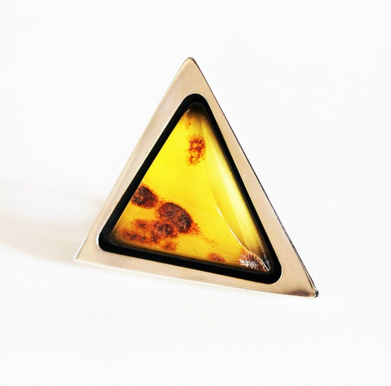 29g E. Salwierz  Baltic Amber Ring, Huge Ring, Artistic Jewellery, Yellow Amber Ring, Triangle, Triangular Ring