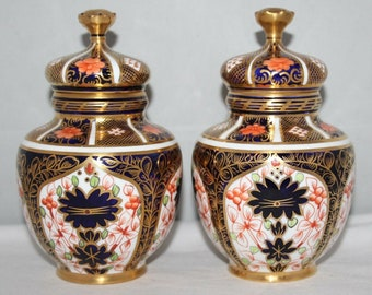 Royal Crown Derby - Imari 1128 - A Pair of Covered Temple Vases - 1913/18