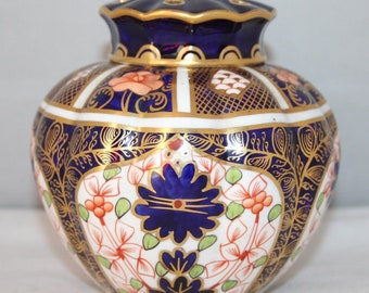 Royal Crown Derby - Imari 1128 - Lidded Pot Pourri - 1914 - vgc