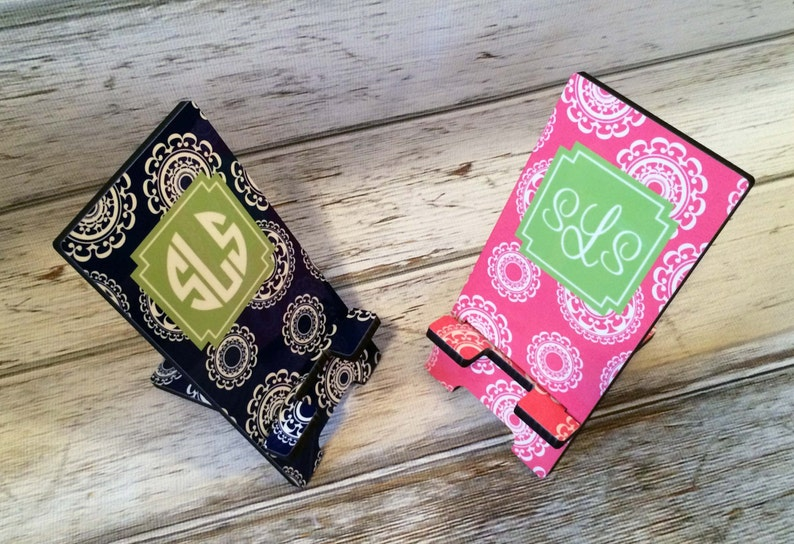 944b39862334d Custom Design Personalized Cell Phone STAND Device Holder Charger in 2  Sizes - Choice of Design, Frame & Monogram - Design Your Own