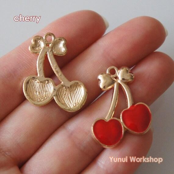 100-200 Antique Bronze Little Heart Key Pendant Charms Alice In Wonderland 15mm